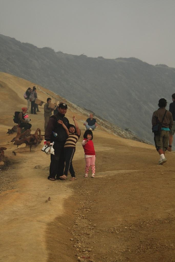Di puncak Gunung Ijen