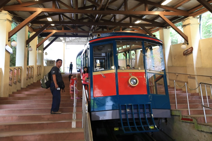 Cable car yang membawa kami ke Taman Nasional Rokkosan