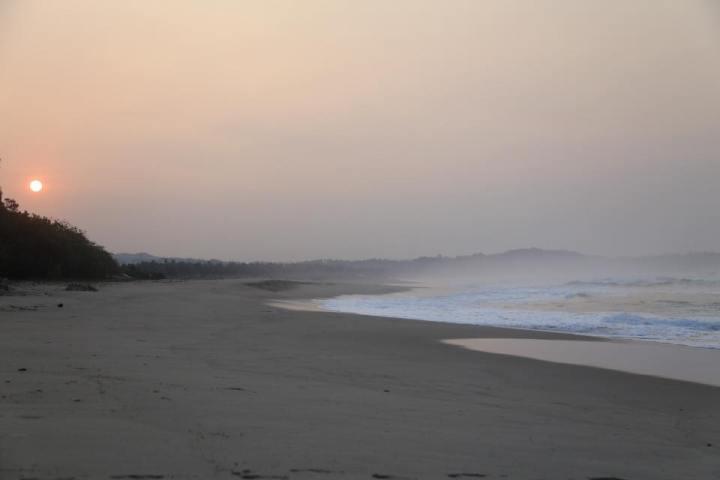 Pemandangan Pagi di Goa Langir. Inilah nikmatnya camping....kamu bisa pasang tenda dengan view yang tidak kalah dengan hotel bintang 5.