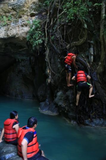 Salah satu tebing untuk melompat